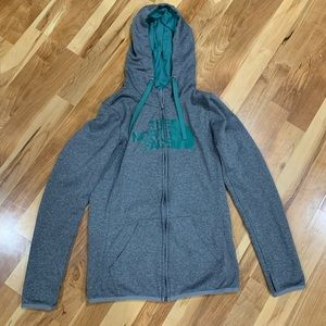 THE NORTH FACE Gray and Green Sweatshirt